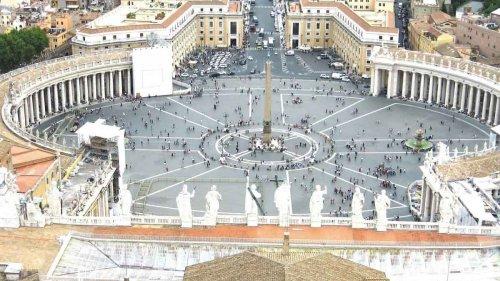bald füllt sich der Petersplatz mit Ministrantinnen und Ministranten